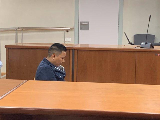 Un home acusat de la presumpta agressió sexual a una nena de 9 anys, filla de la seva parella, jutjat a l'Audiència de Lleida, el 8 de gener de 2020.