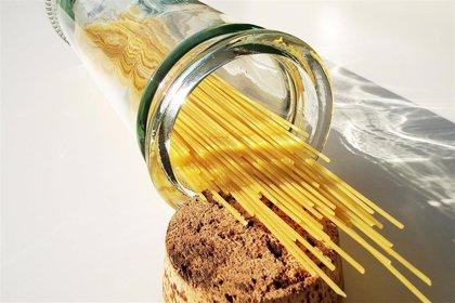 Un módelo matemático explica cómo se dobla el espagueti al hervir