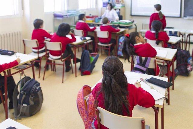 Estudiantes en el aula de un colegio concertado de Madrid.
