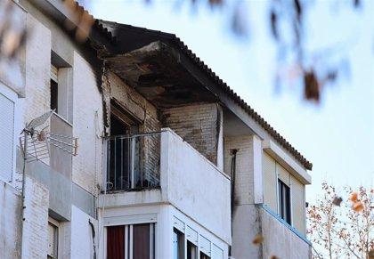 La inspección en el piso incendiado apunta a un brasero como causante del fuego en La Hispanidad (Huelva)