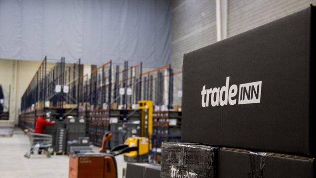 La companyia compta amb 15 botigues en línia que venen a 193 països.