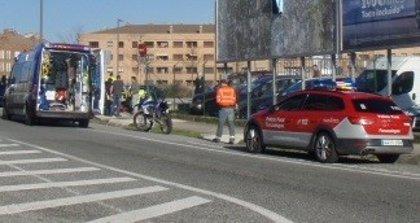 Herido grave un motorista de 32 años al salirse de la vía y chocar contra una señal en Cordovilla