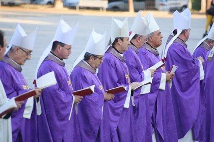 Los obispos españoles rezarán en 2020 por las mujeres que sufren violencia, los ancianos solos y los niños