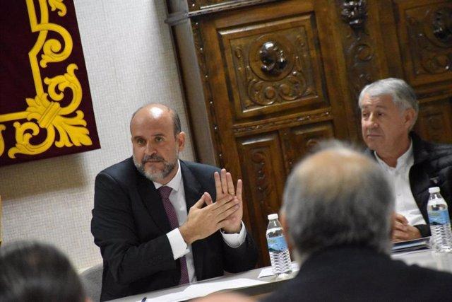 Reunión de Martínez Guijarro con alcaldes de la zona para presentar alternativas al ATC.
