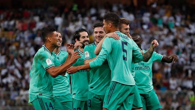 El Real Madrid celebra su pase a la final de la Supercopa 2020