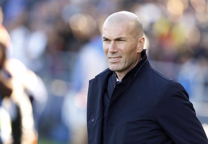 """Zidane, sobre los cinco centrocampistas: """"Buscamos siempre cosas diferentes"""""""