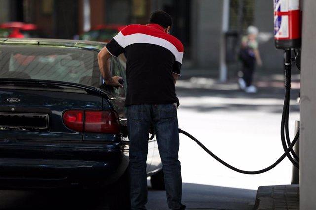 El coche de combustión, opción de compra preferida para un 76% de españoles