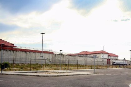 El fiscal pide prisión permanente revisable para un acusado de violar y asfixiar a su mujer con una bolsa de plástico