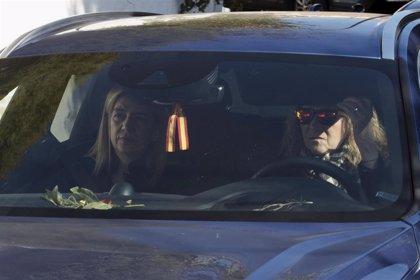 La Infanta Cristina reaparece para despedir a su tía, la Infanta Pilar, al lado de su familia