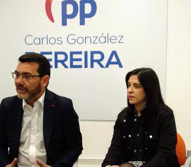 El portavoz del Partido Popular de Getafe, Carlos González Pereira, oferce una rueda de prensa.