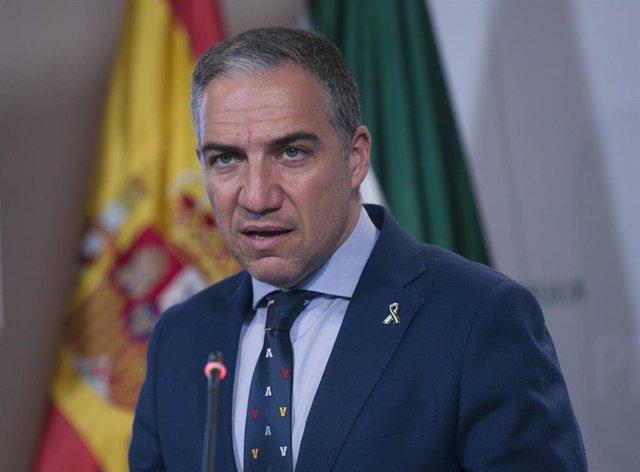 Rueda de prensa posterior al Consejo de Gobierno de Andalucía. El Consejero de Presidencia, Elías Bendodo durante su comparecencia.