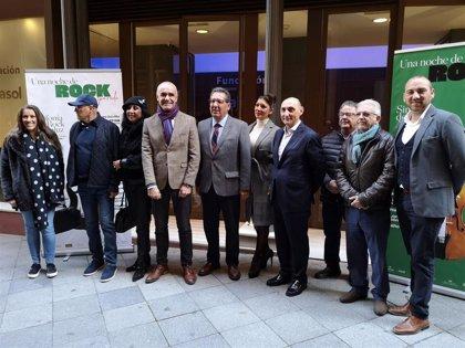 Pepe Roca, Medina Azahara, Manuel Carrasco o Argentina unen sus voces para homenajear al rock andaluz en Sevilla