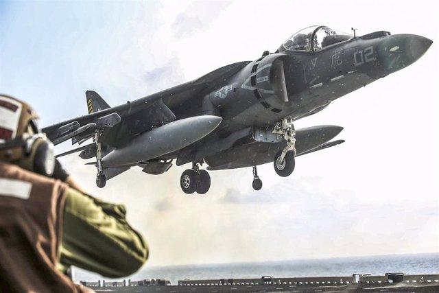 Un avión de la coalición internacional contra Estado Islámico, encabezada por EEUU