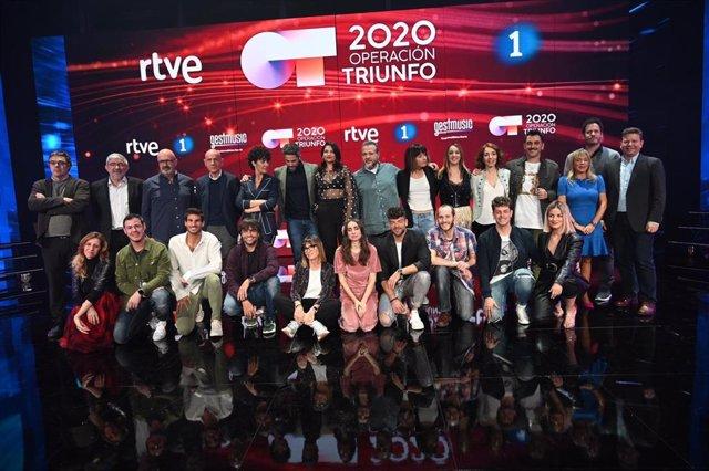 El programa 'Operación Triunfo', amb el presentador R.Leal, professors i jurats (Arxiu).