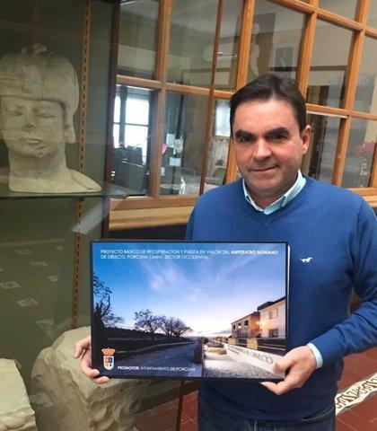 Porcuna presenta el proyecto para incluir en la ITI de Jaén la recuperación del anfiteatro romano de Obulco
