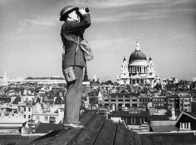 Observador en Londres durante la Batalla de Inglaterra