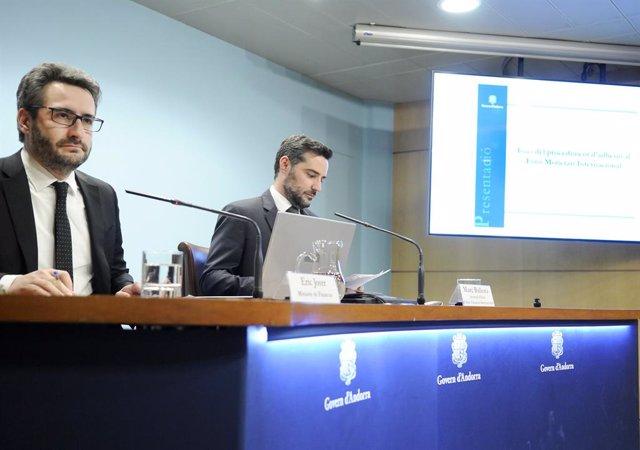 El ministre de Finances, Eric Jover, i el secretari d'Estat d'Afers Financers Marc Ballestà, han informat aquest dijous de l'inici del procediment d'adhesió d'Andorra a l'FMI.