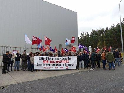 Trabajadores de los seis centros de Isidro 1952 inician una huelga indefinida ante el despido de 136 empleados
