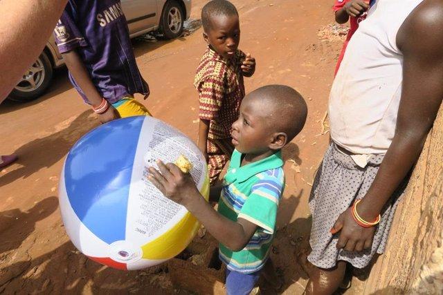 Los niños pequeños son los que corren mayor riesgo de contraer enfermedades diarreicas