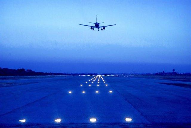 Aeronave en el Aeropuerto de Madrid-Barajas Adolfo Suárez