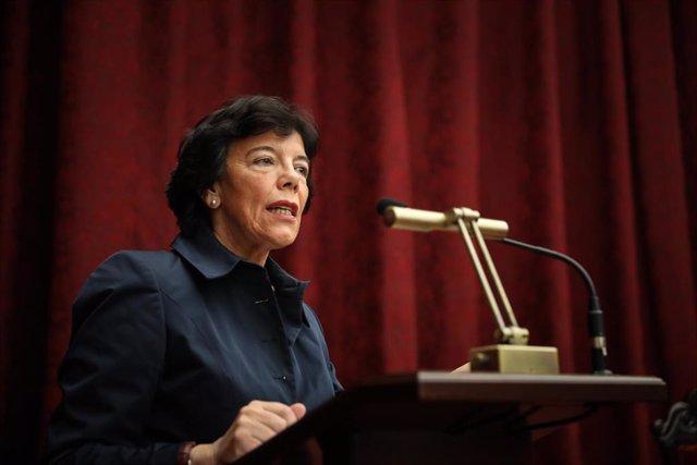 La ministra de Educación y Formación Profesional, Isabel Celaá, el pasado mes de octubre en un acto en Sevilla.