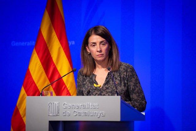 La consellera de Presidencia y portavoz del Govern, Meritxell Budó en rueda de prensa posterior al Consell Executiu en el Palacio de la Generalitat, en Barcelona (España), a 17 de diciembre de 2019.