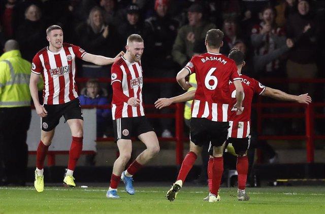 Oliver McBurnie celebra el gol marcado con el Sheffiled United