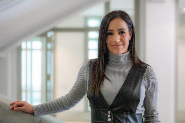 La vicealcaldesa de Madrid, Begoña Villacís, posa tras su  entrevista con Europa Press en su despacho del Ayuntamiento, en Madrid (España), a 9 de enero de 2020.