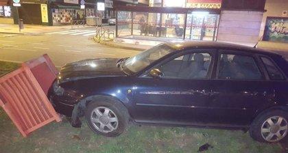 Un conductor ebrio empotra un vehículo contra uno de los respiraderos en la Circular