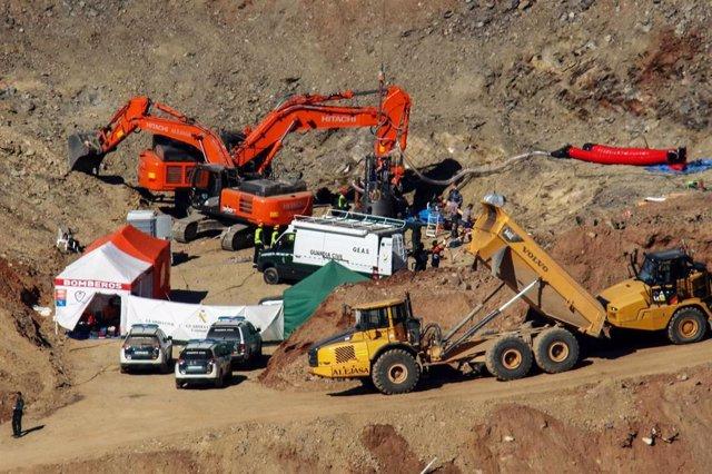 Vista del operativo de rescate de Julen de un pozo de Totalán