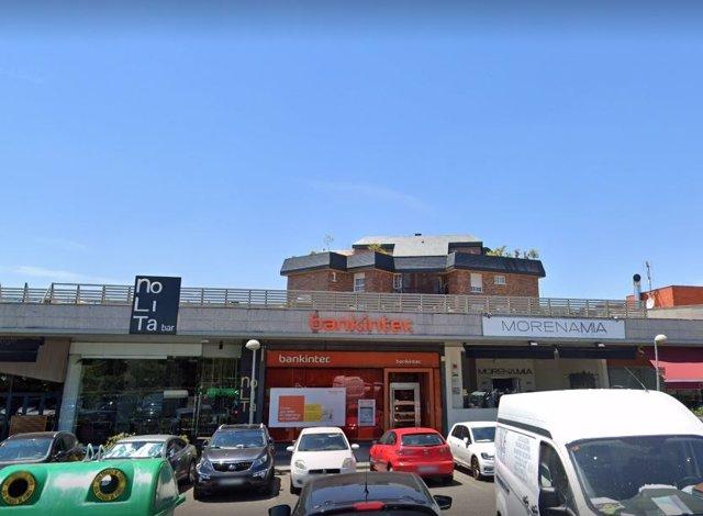 Aspecto de la sucursal de Bankinter antes de la explosión de hoy