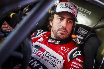 """Alonso: """"Tengo que pellizcarme para creerme que estoy entre los seis primeros del Dakar"""""""