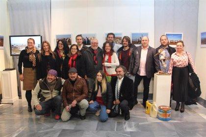 La muestra interdisciplinar 'Mar & Plásticos' muestra en San Pedro del Pinatar su preocupación por el Mar Menor