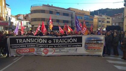 Sindicatos, políticos y vecinos de Andorra salen a la calle para pedir alternativas reales ante el cierre de la térmica