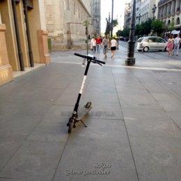 Uno de los patinetes retirados por la Policía Local de Sevilla