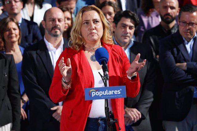 La periodista y miembro de la candidatura del PP a la Asamblea de Madrid, Almudena Negro, durante su intervención en la presentación de los candidatos del Partido Popular a la Asamblea de Madrid.