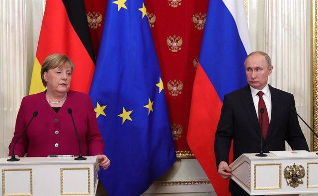 Angela Merkel y Vladimir Putin en Moscú