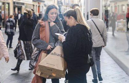 Los riojanos destinarán 128 euros a ropa y complementos en las rebajas de enero
