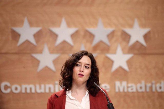 La presidenta de la Comunidad de Madrid, Isabel Díaz Ayuso interviene para informar a los medios de los acuerdos adoptados en la reunión del Consejo de Gobierno, en la Real Casa de Correos, en Madrid (España), a 8 de enero de 2020.