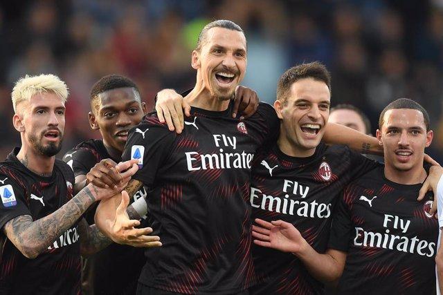 Zlatan Ibrahimovic celebra su primer gol con el AC Milan tras su vuelta