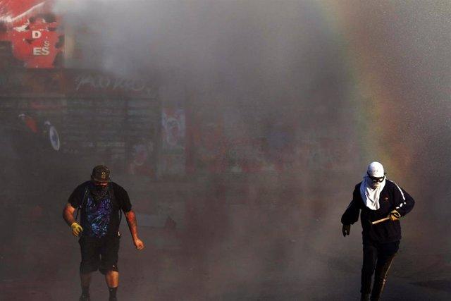 Imagen de manifestantes durante las protestas en Chile.