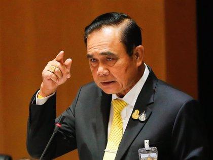 Miles de personas participan en dos carreras a favor y en contra del Gobierno en Tailandia