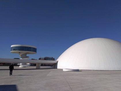 El ciclo 'Suena la Cúpula' del Niemeyer acoge este domingo música de mandolina y chelo