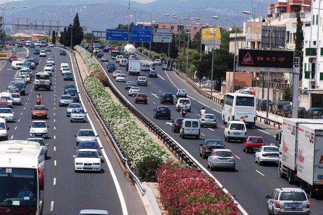 Tráfico en la vía de Cintura en 2010.