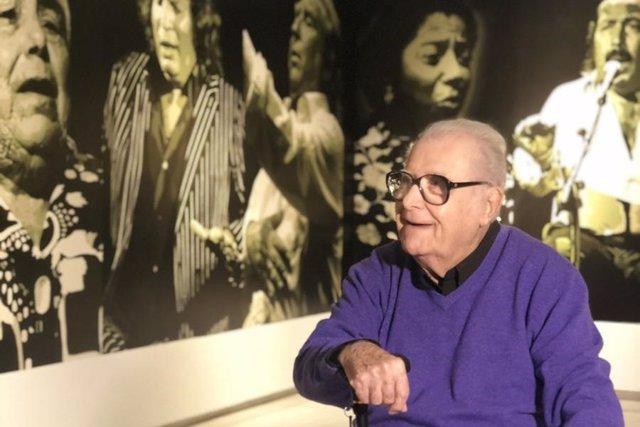 Eugenio Chicano en su exposición seguiriyas flamenco obras cultura pintura flamenco málaga