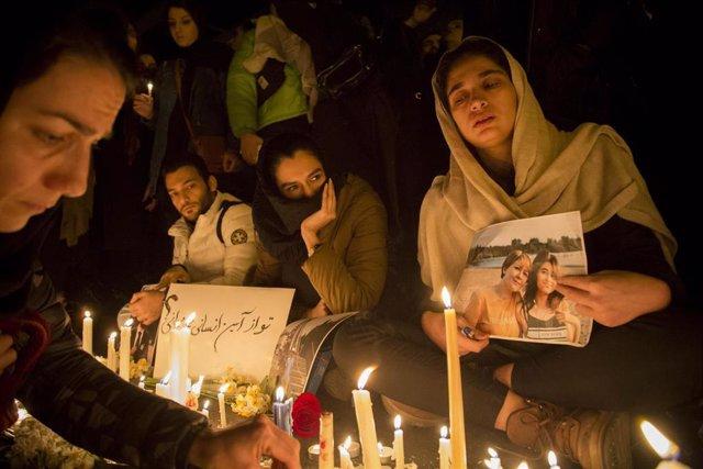 Vigilia por el avión ucraniano derribado en Irán