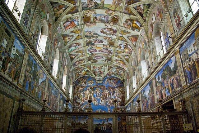 """El Papa bautiza a 32 bebés en la Capilla Sixtina: """"En una predicación bella escu"""