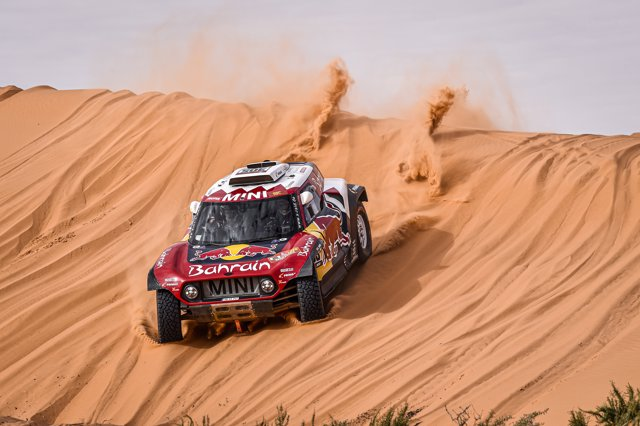 Carlos Sainz, durante una etapa del Rally Dakar 2020.