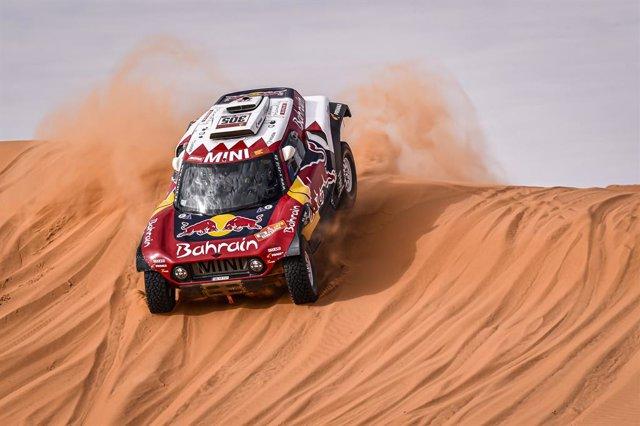 CORR.- Rally/Dakar.- Triunfos de Sainz en coches y Barreda en motos durante una
