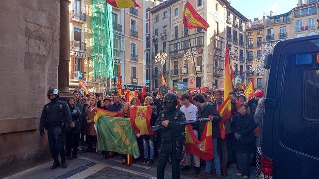 Participantes en la concentración de 'España Existe'